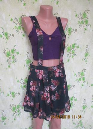 Стильная шифоновая юбка на бретелях в цветочный принт