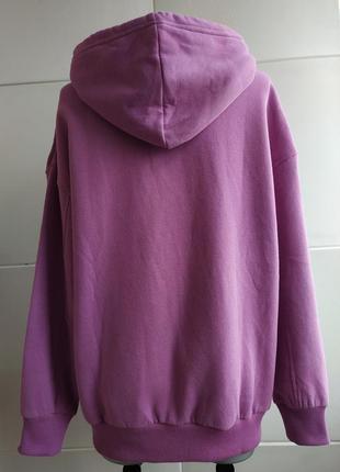 Стильная толстовка, худи bershka сиреневого цвета c капюшоном и карманами.2 фото