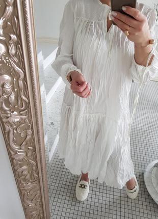Белоснежное платье миди пышное и яркое