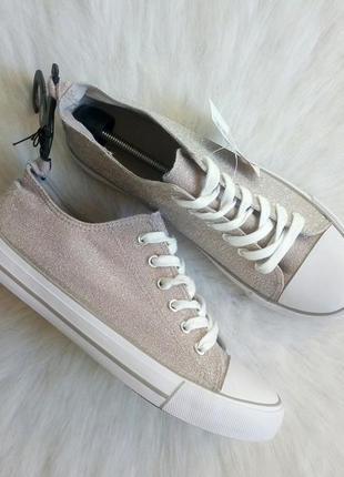Блестящие кеды с белым носком шнуровкой верх текстиль розовый серебристый толстая подошва