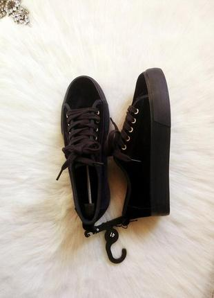 Бархатные синие почти черные криперы кеды со шнуровкой и высокой платформой кроссовки