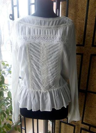 Блузка с кружевом фирменная