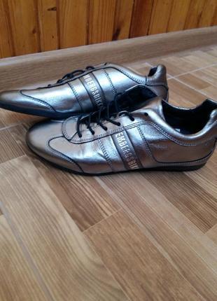 Стильні кросівки оригінал bikkembergs. італія