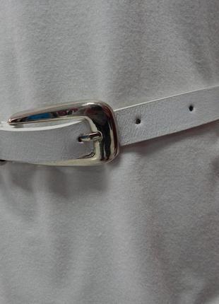 Ремень тонкий белый с красивыми металлическими вставками