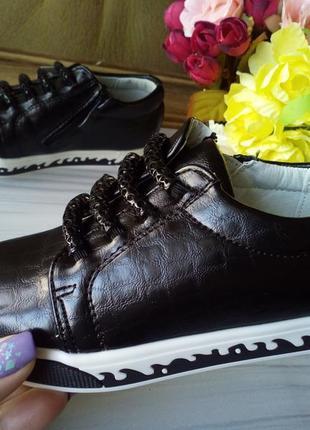Слипоны,кеды,туфли для девочки фирмы klf черные