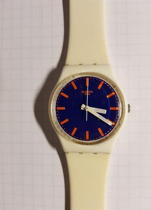Часы swatch белого цвета (свотч) , унисекс