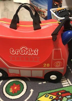 Детский чемодан на колёсах trunki
