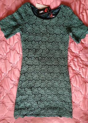 Красивое кружевное платье футляр, размер 10 (38)