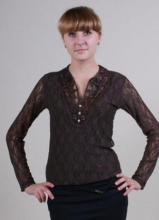 Кофта-блуза с воротничком коричневая гипюр, размер 42-44