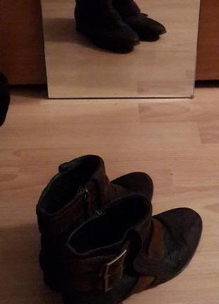Удобные кожаные ботинки от zara