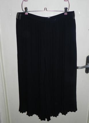 Плиссированная,угольно-чёрная юбка-брюки-кюлоты,на резинке,16-22рр.,британия