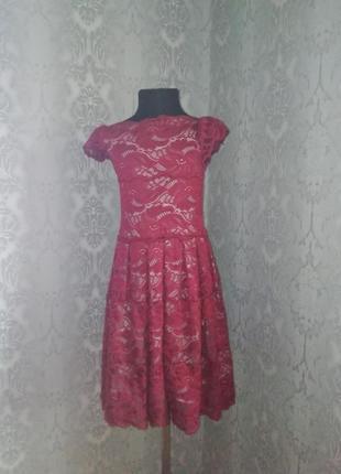 Круживное платье