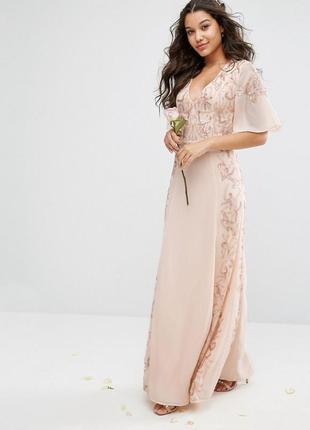 Прекрасное нарядное платье расшитое пайетками maya