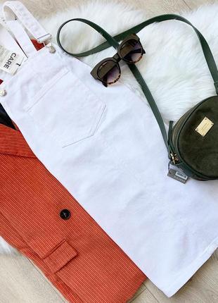 Новый! белый джинсовый комбинезон платье от stradivarius