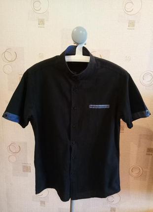Мужская черная рубашка без воротника с коротким рукавом