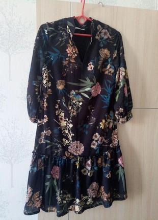 Темное платье с цветами cannella