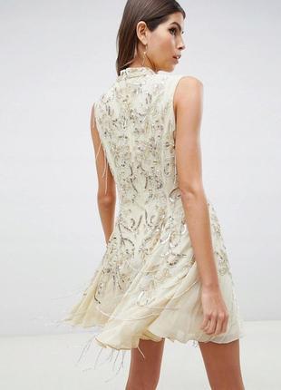 Boohoo design бежева декорована сукня на випускний доставка сутки2 фото