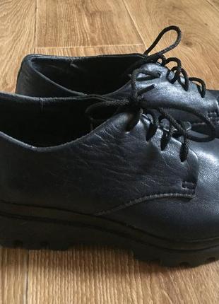 Шкіряне жіноче взуття