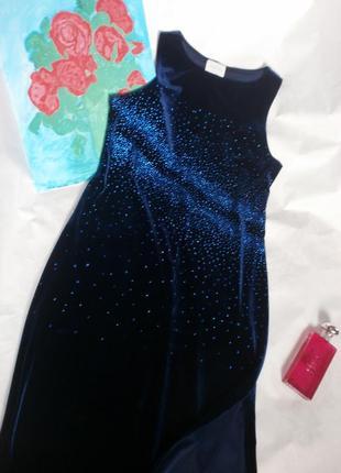 Красивое бархатное платье