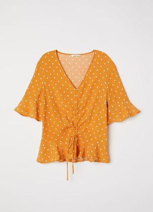 Блузка hm в актуальный принт