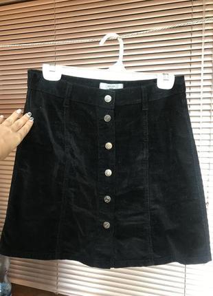 Стильная черная юбка под вельвет
