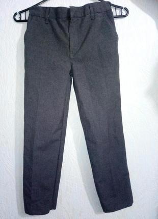 Школьные брюки фирмы m&s англия 8-9 лет.