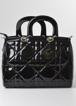Лаковая сумка 90016 черная стеганая