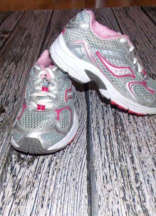 Фирменные кроссовки для девочки, размер 11,5