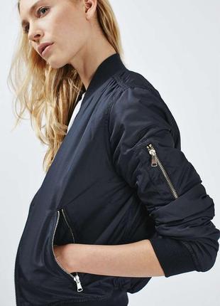 Стильная куртка бомбер от topshop