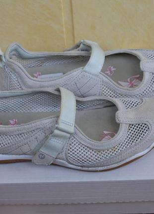 Замшевые сандалии американского бренда