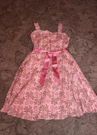 Летнее фирменное платье на девочку 152.