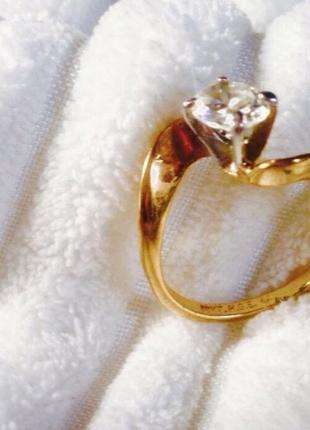 Позолоченное кольцо из европейской дорогой бижутерии