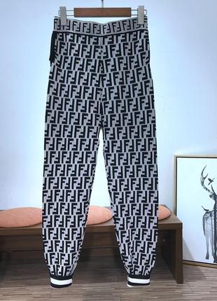 Женские трикотажные штаны