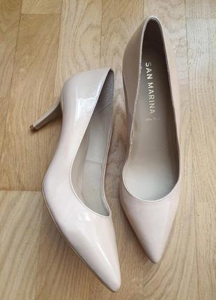 Супер стильные лаковые туфли