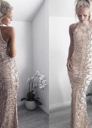 Длинное нарядное платье расшитое пайетками
