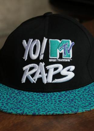 "Кепка divided by h&m ""yo! mtv raps"" snapback cap"