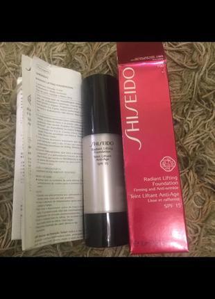 Тональное средство с лифтинг-эффектом shiseido radiant lifting foundation spf 15