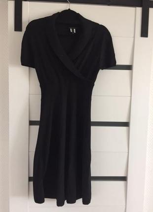 Трикотажное черное платье bcbg max azria, р. м-l.