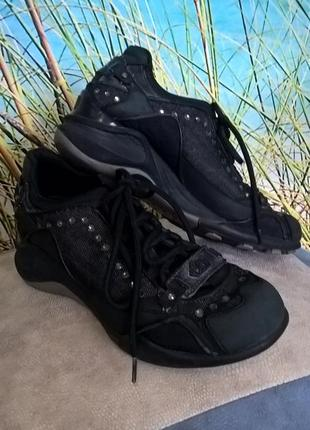 Стильные черные кроссовки fornarina, italy
