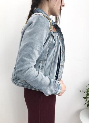 Актуальна джинсовка від river island з вишивками, ветровка, джинсова куртка