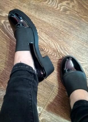 Кожаные чёрные закрытые туфли