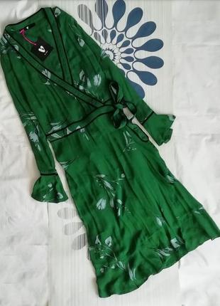 Зеленое платье халат с запахом на запах миди макси с поясом в цветчный принт рюшами