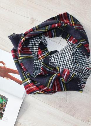Обьемный теплый шарф в клетку двухсторонний красный черный