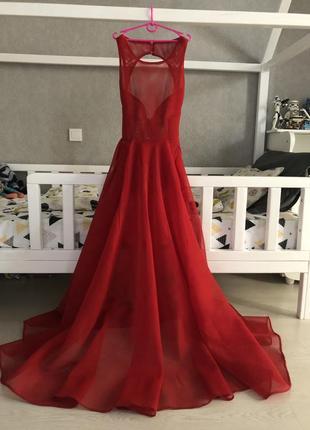 Невероятно красивое платье!1 фото