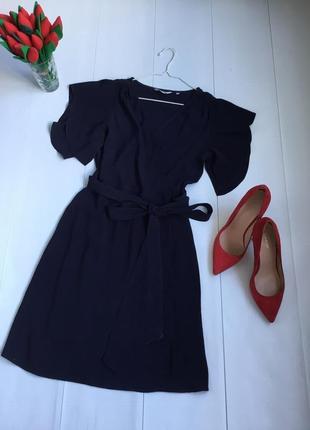 Легкое красивое платье на запаах под пояс