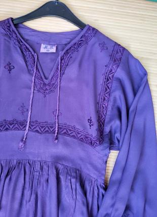 Фиолетовое актуальное платье туника с вышивкой4