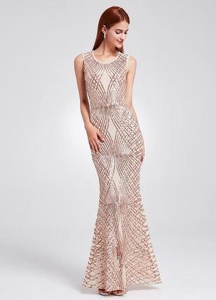 Нежное длинное выпускное платье в пайетках quiz