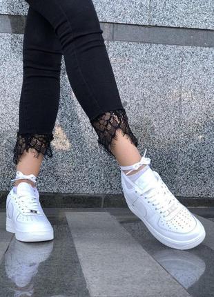 Шикарные кроссовки nike в белом цвете из кожи3 фото