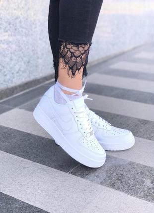 Шикарные кроссовки nike в белом цвете из кожи5 фото