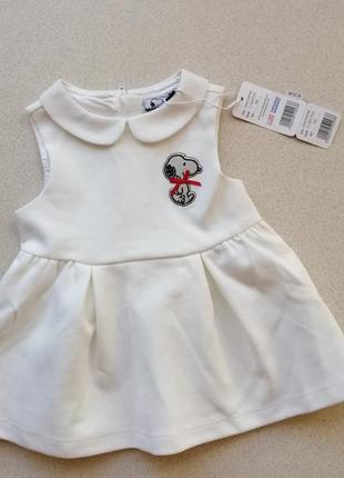 Милое белое платье на крошку